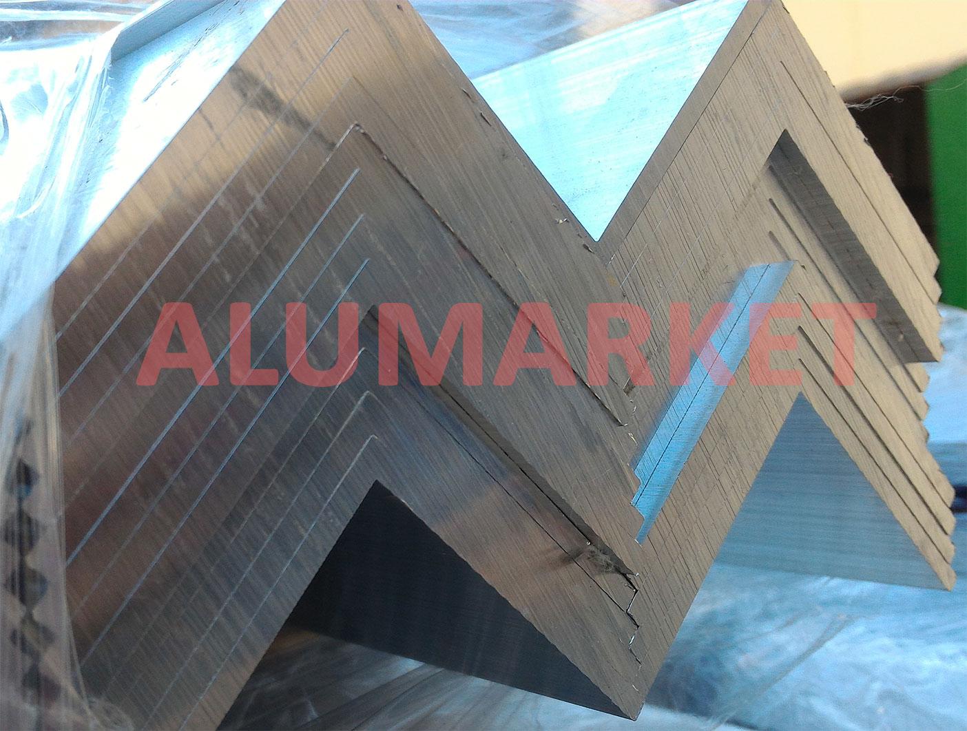 Выбираем алюминиевый уголок